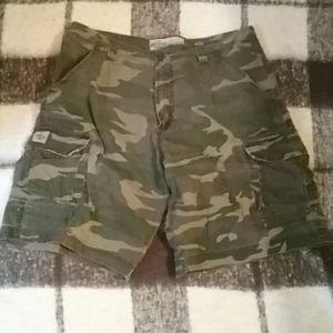 🍁 Lee camo cargo shorts